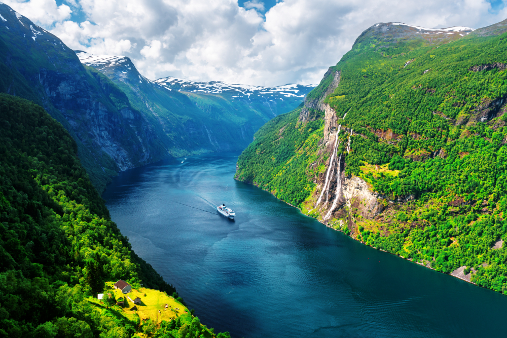 Norwegen am Fjord