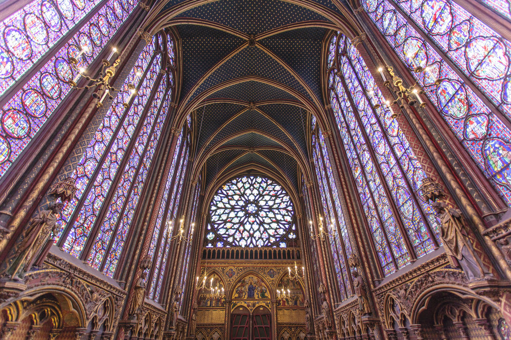 Das Innere der Sainte Chapelle in Paris