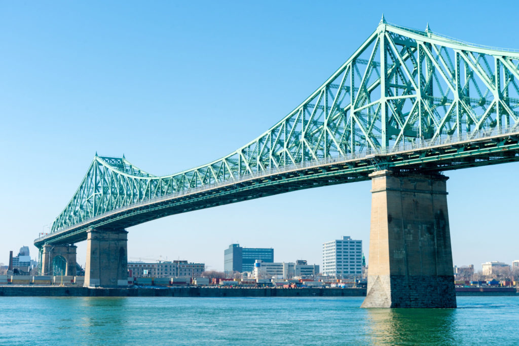 Die Pont Jacques Cartier in Montreal