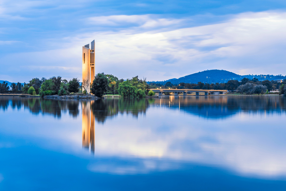 Der Lake Burley Griffin in Canberra