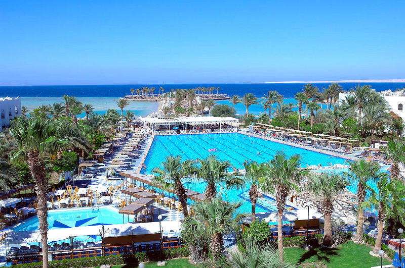 Poollandschaft im Arabia Azur Resort Hurghada