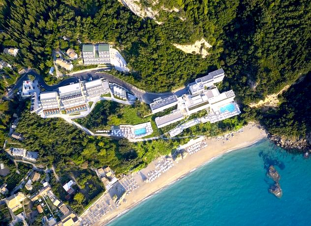 Luftansicht des Mayor La Grotta Verde Grand Resort auf Korfu