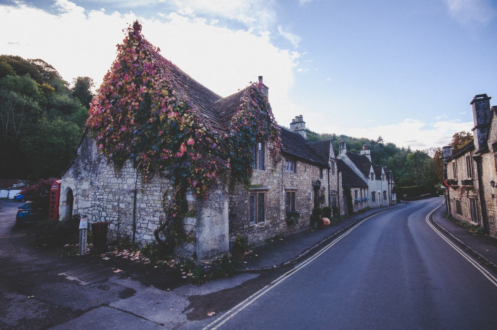 England, Cotswolds, Castle Combe