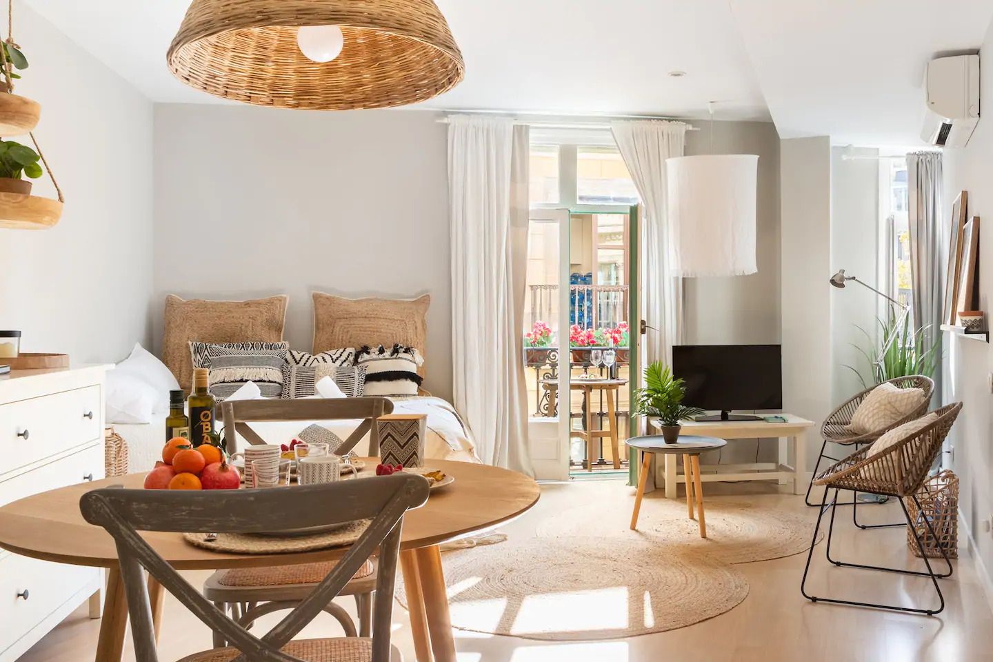 Airbnb Boho Studio Apartement in Barcelona